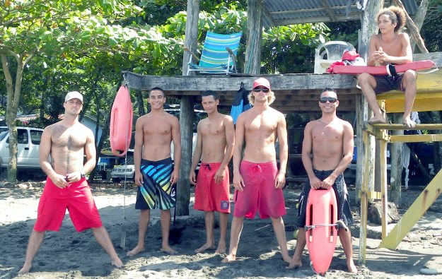 Dominical Lifeguard's Surf Contest