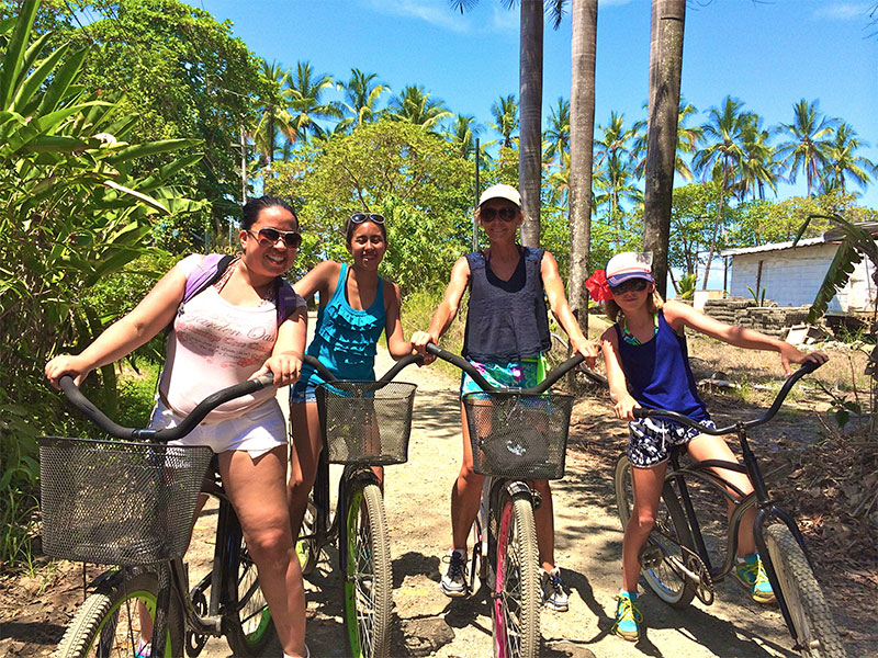 Cruise Dominical town in Style…… New beach bikes for our clients!!!