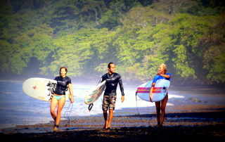 reasons to surf costa rica